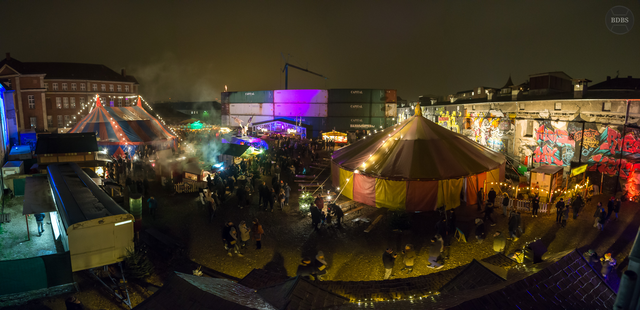 Panorama (ISO 3200 - 12mm - f/2,5 - 1/15 Sek)