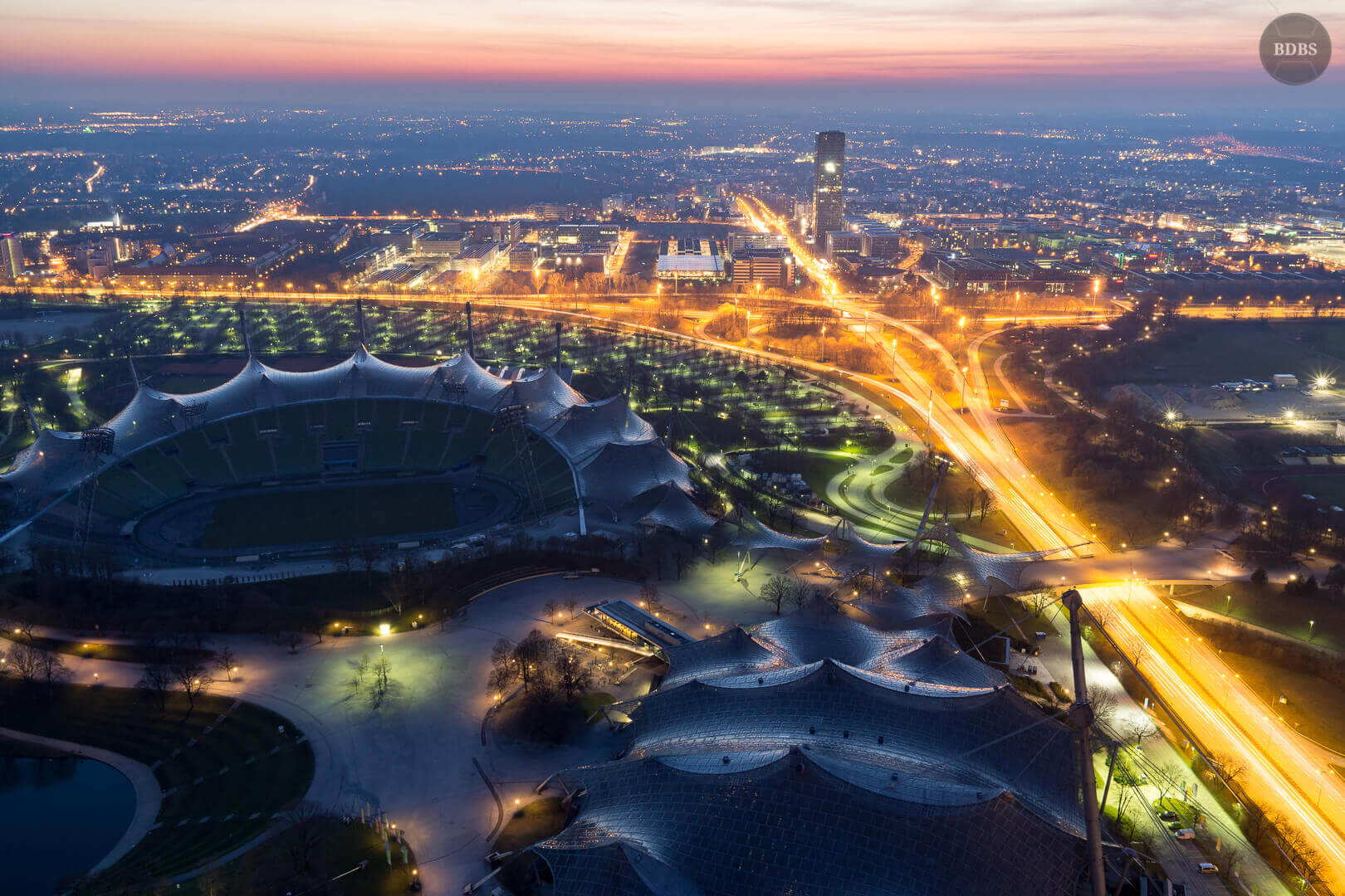 Blick vom Olympiaturm (HDR - ISO 500 - 19mm - f/4)