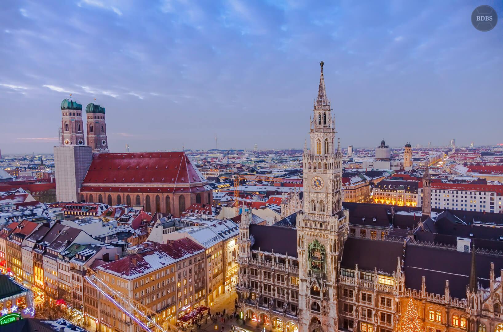 Skyline München Blick vom Alten Peter HDR (1/25 Sek - f,4,0 - 24mm - ISO400)